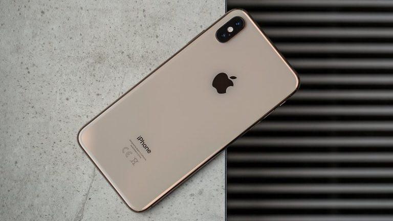 iPhone XS retro